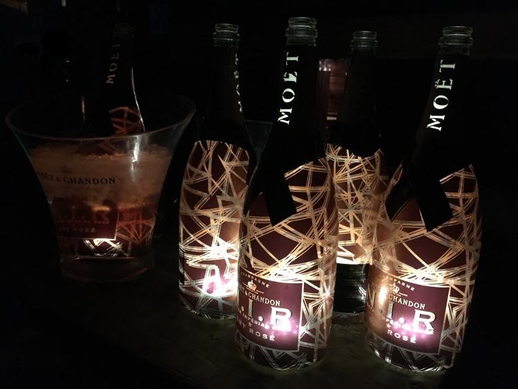 Moet Chandon N.I.R. Nectar Impérial Dry Rosé Luminous Edition in der Champagnerhütte Ischgl