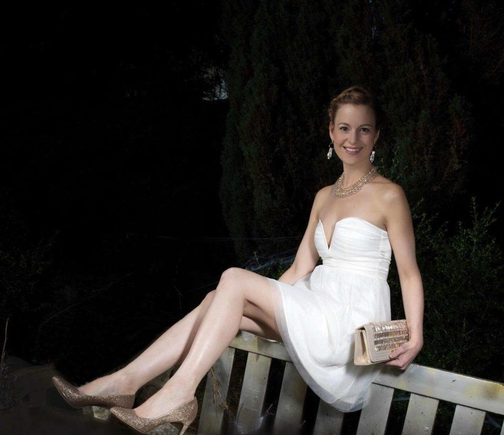 Abendoutfit - Kleid aus Tüll und dazu passende Clutch