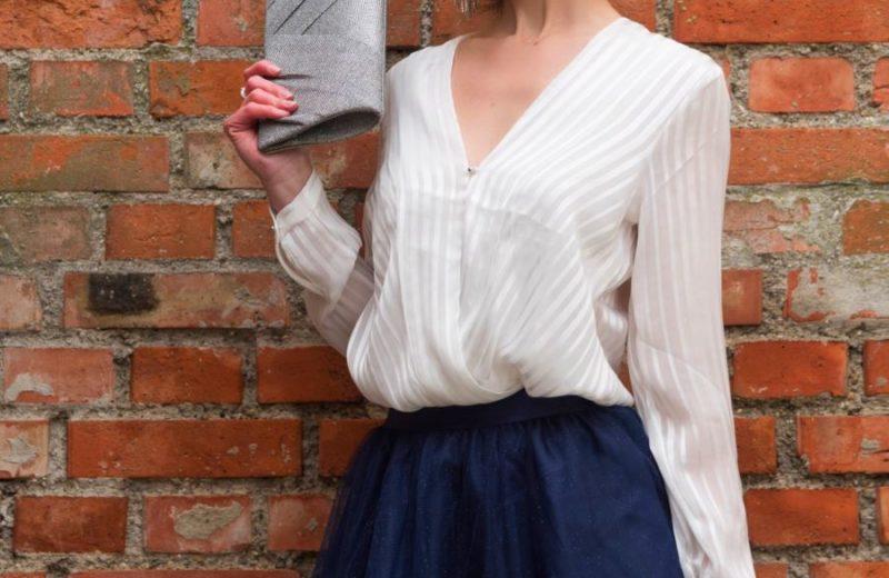 Wunderschönes Outfit mit einem blauen Tüllrock