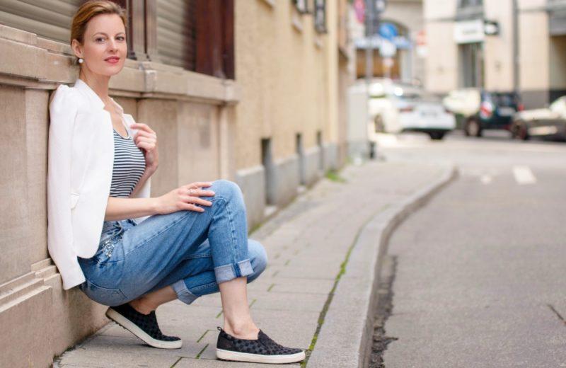 Boyfriend Jeans Outfit mit Blazer